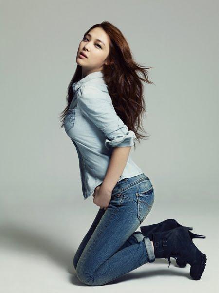 News F X Krystal Victoria And Sulli Succeeds Shin Min