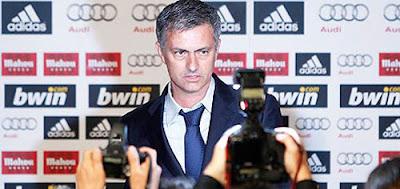 Jose Mourinho dinobatkan sebagai Panchina d Terkini Mourinho Dapat Penghargaan Panchina d'Oro