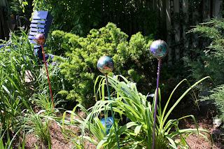 Pink and green mama homemade gazing balls for your garden - Mattress made of balls ...