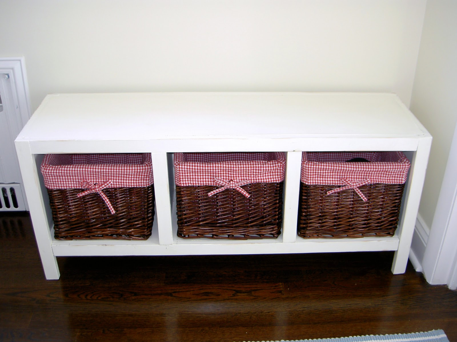 That's My Letter: DIY Bench With Storage Baskets