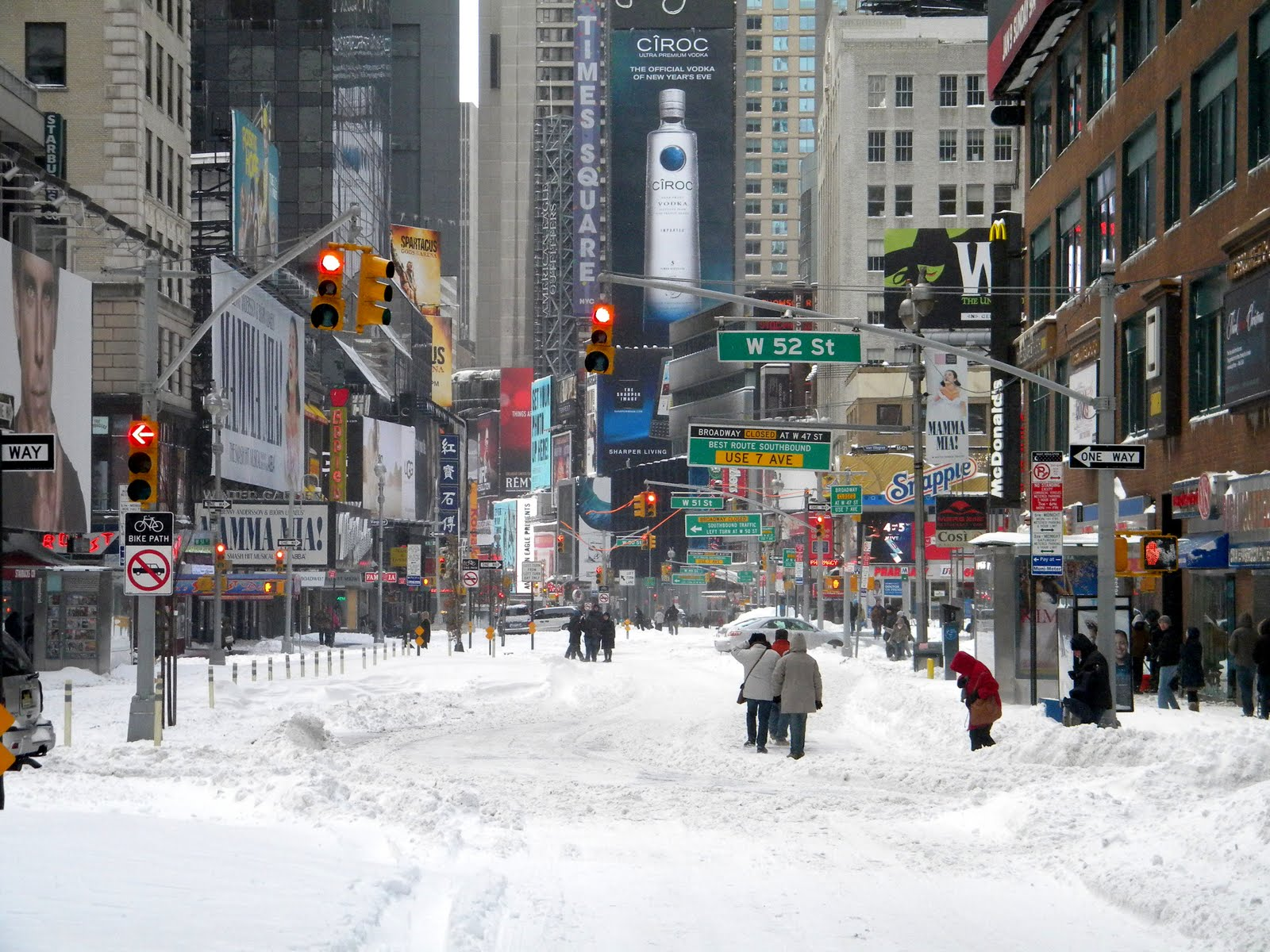 Winter Snow Storm New York City 12/26/10 Times Square