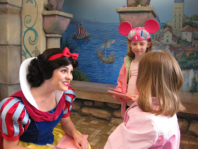 Disneyland - Snow White and the Two Litster Princesses