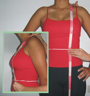 3deecc2a9 Igual que en el paso anterior colo la cinta métrica en la base del cuello y  desplázala