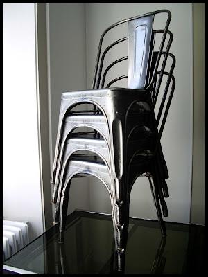 mobilierdesign20 superbes chaises tolix par xavier pauchard design industriel loft. Black Bedroom Furniture Sets. Home Design Ideas