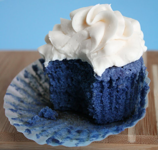 Blue Velvet Cupcakes And Finding The Perfect Hue Sprinkle Bakes
