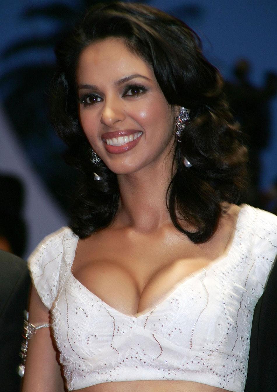Relationship Conundrums Celebrity News Mallika Sherawat - The Sexy Girl-4460