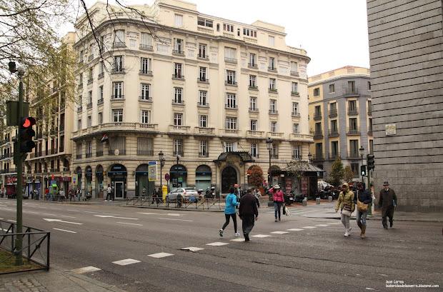 El Archivo Rojo Paseo Del Prado