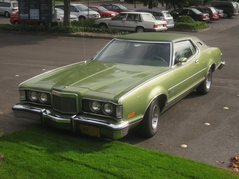 Old Parked Cars 1975 Mercury Cougar Xr 7