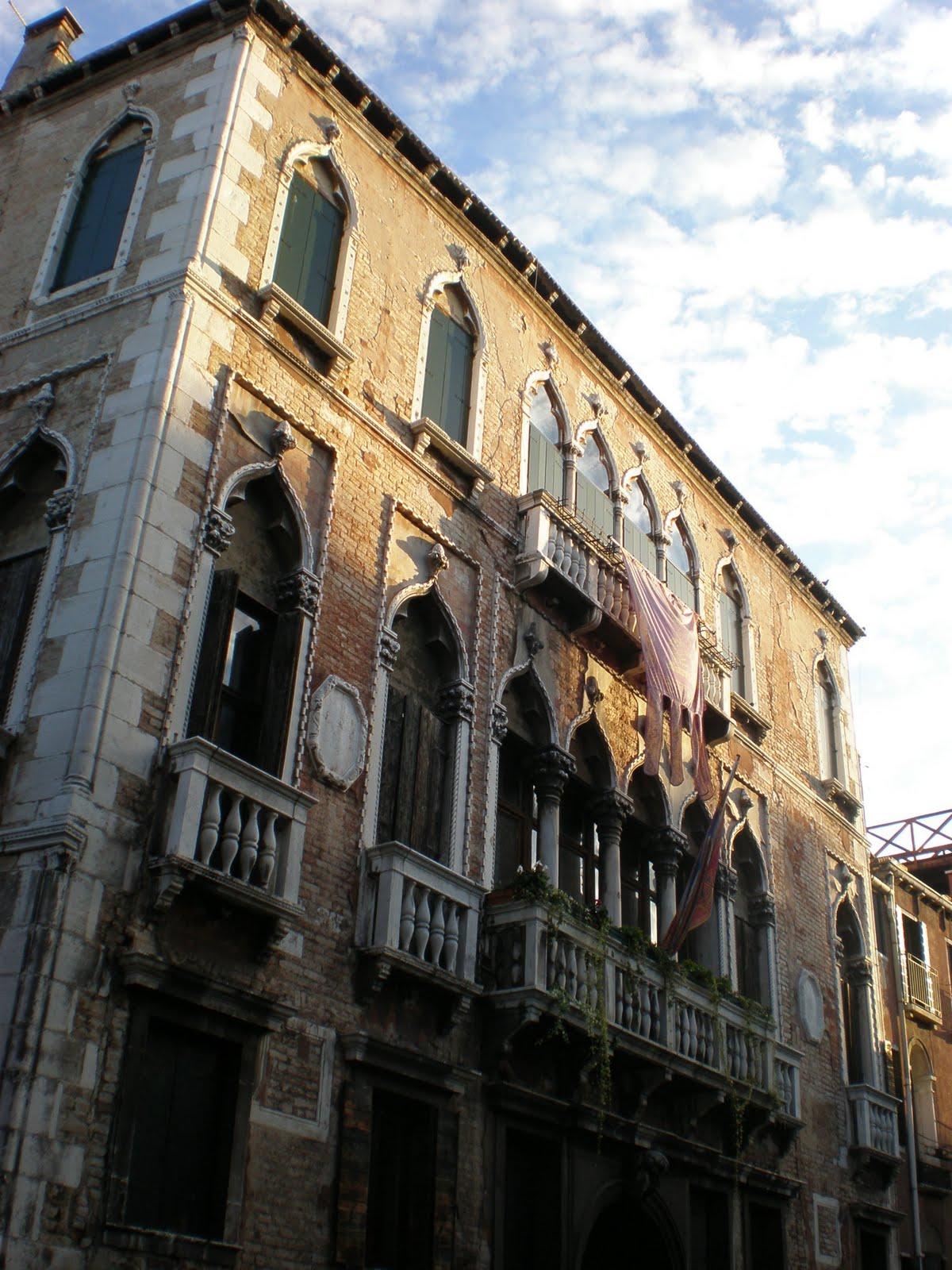 Venezia quiz gotico con otto palazzi for Piani di palazzi contemporanei