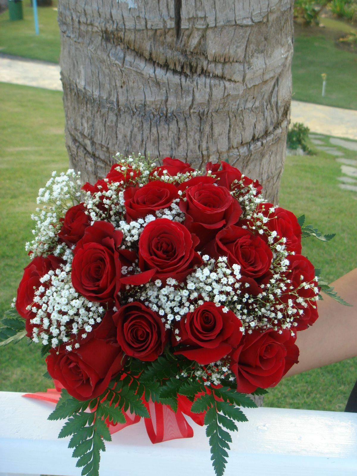Bouquet Bridal: Red Roses and Small White Flowers Bouquet