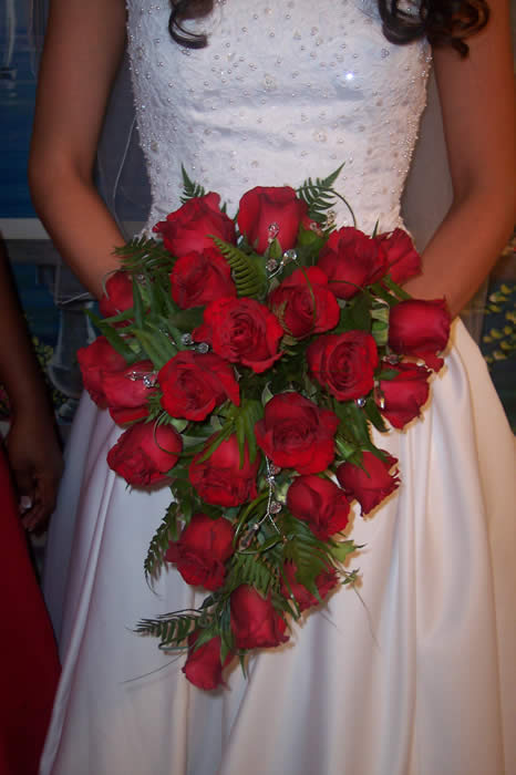 Bouquet Bridal: Red Roses Bridal Bouquets