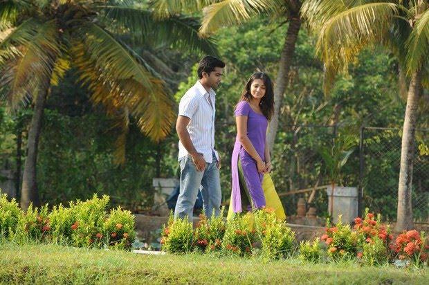 Tamil Movie Vinnaithaandi Varuvaaya Review