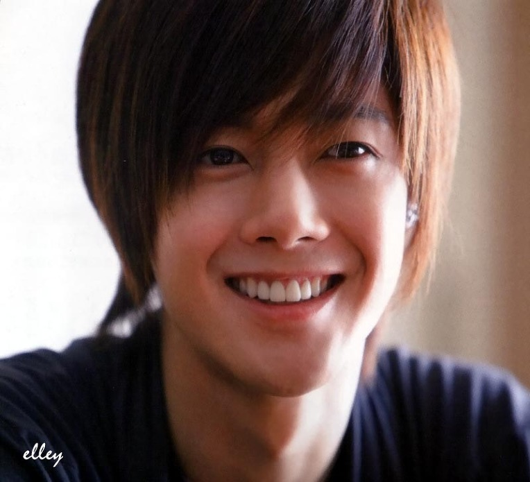 My Blog: Kim Hyung Joong The cute smile