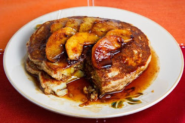 Apple and Cinnamon Oatmeal Pancakes