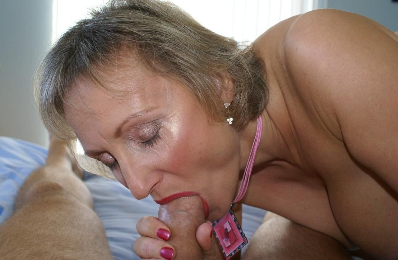 Amature young and old blowjob — pic 12