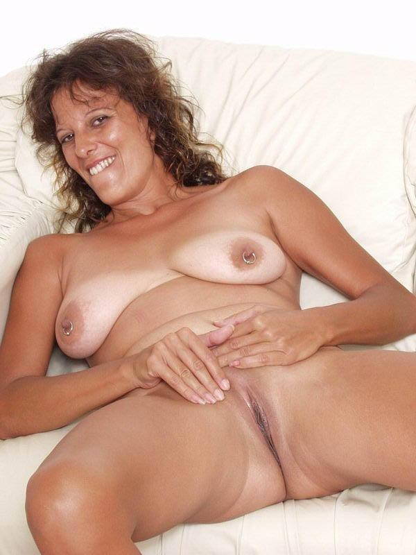 Amateur bambi masturbating in sexy lingerie - 3 part 1