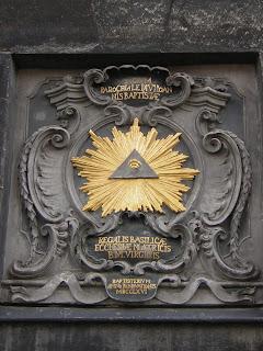 http://3.bp.blogspot.com/_URwFD6kIDb4/TJO_HAuJtnI/AAAAAAAAAUM/ZK-9WJ1JZYQ/s1600/illuminati.jpg