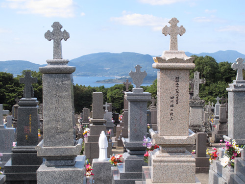 Tabira Church Hirado graveyard