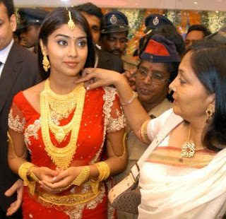 Shriya saran Jewellery Endorsement
