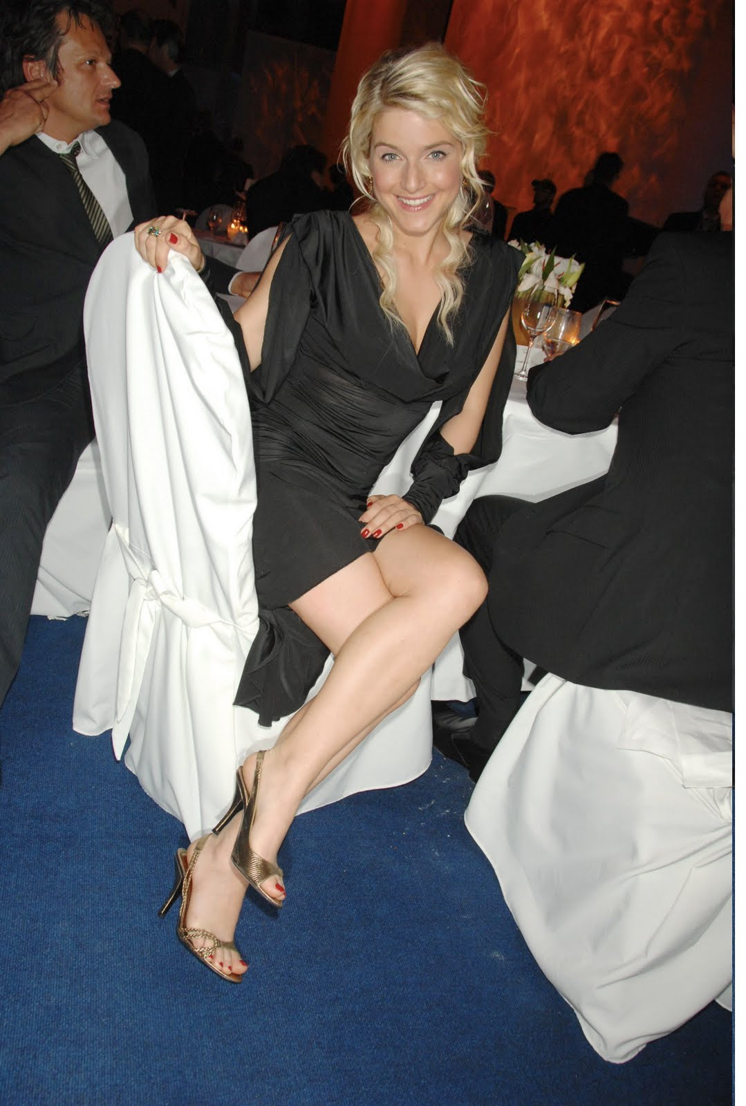 Jennifer tilly legs - 5 8