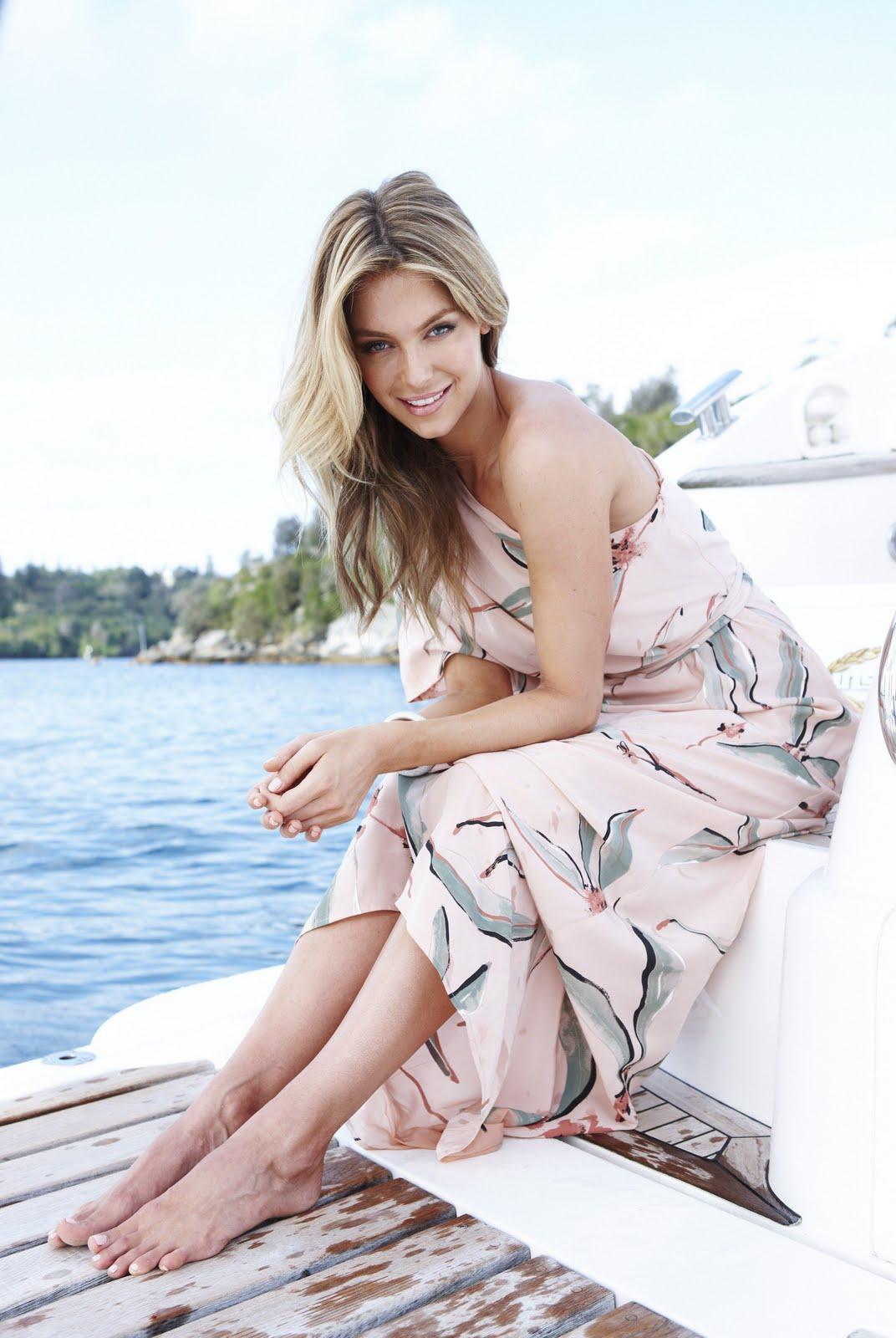 Halle Beauty Blog Jennifer Hawkins Feet