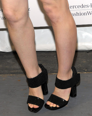 melissa george hot legs