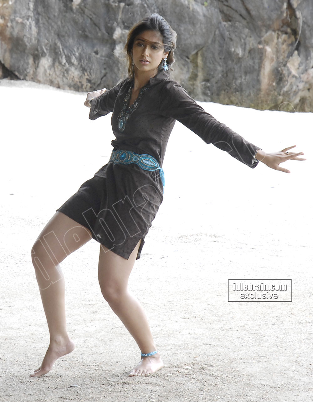 Ileana Dance on beach