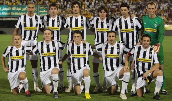 Juventus Football Club: The Boys In Black And White: Juventus FC (Italy