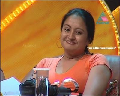 Geetha Vijayan Navel Hot