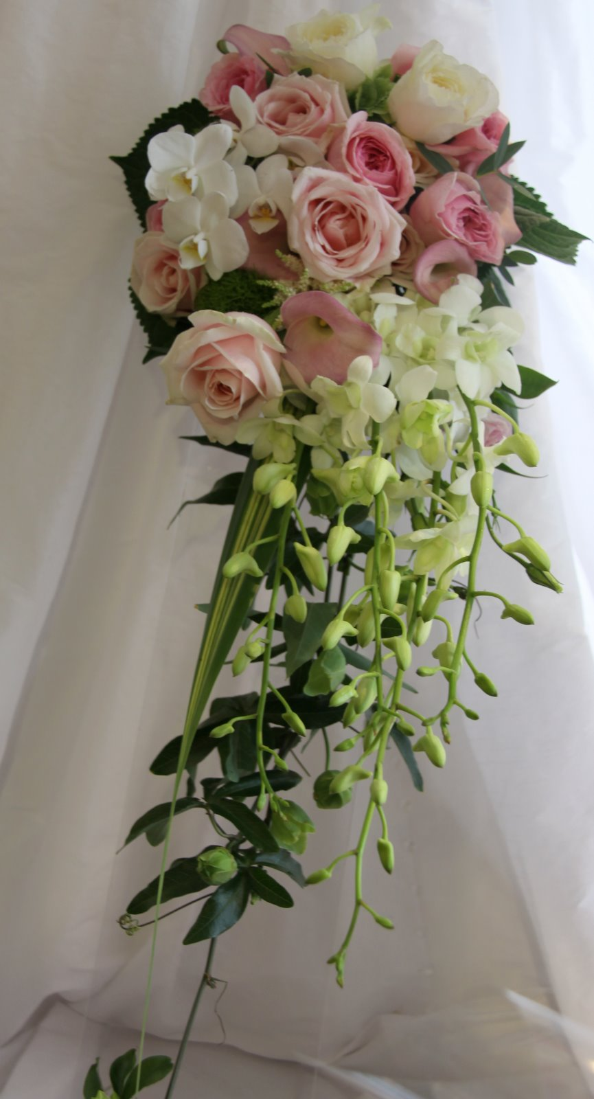 the flower magician pale pink and ivory cascading wedding bouquet. Black Bedroom Furniture Sets. Home Design Ideas