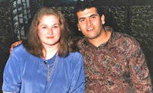 بطرس خوري مع زوجته فيفيان ، زعم بطرس أنه تعرض لسلسة من حوادث الإختطاف من قبل مخلوقات مجهولة