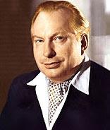 إل رون هوبارد مؤسس كنيسة السينتولوجيا