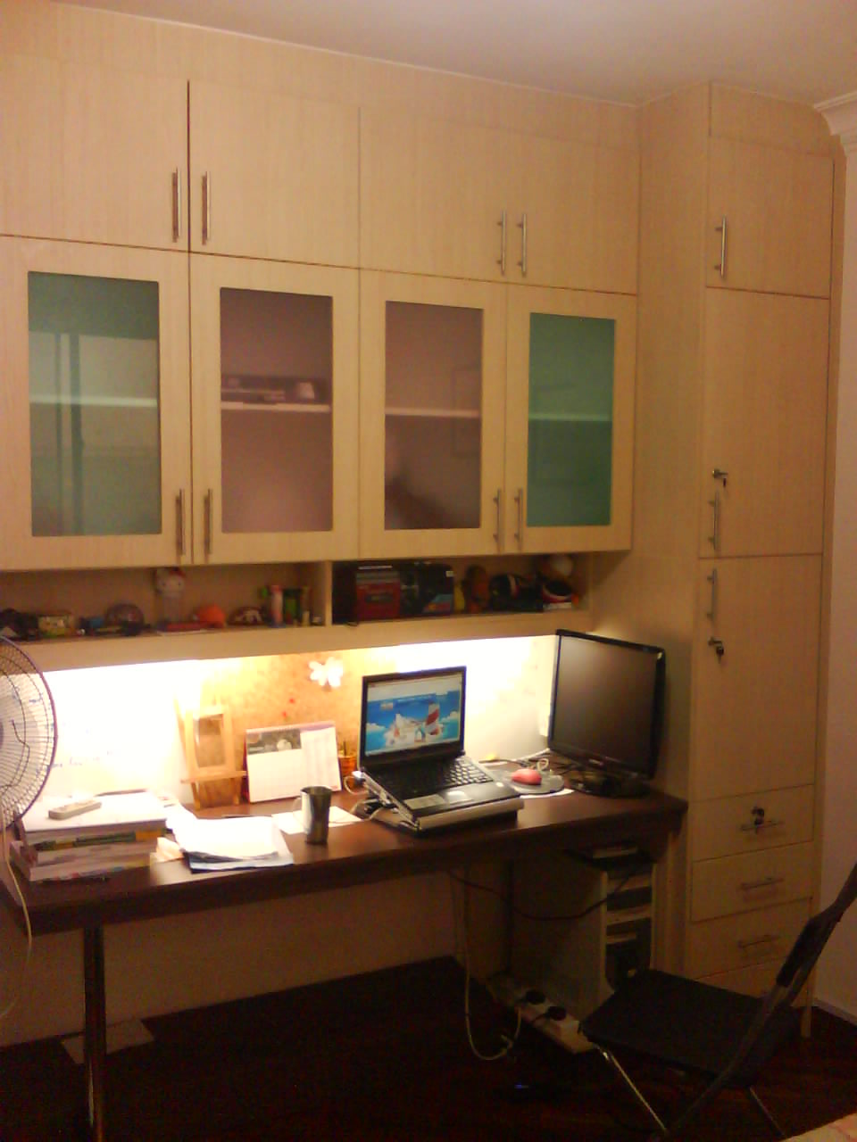Cabinet design kuala lumpur study room design for Bedroom study table designs