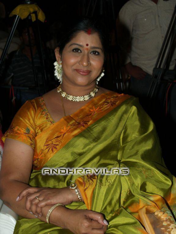Tamil Actress Kavitha Aunty Massive Boobs - Real Show-2915