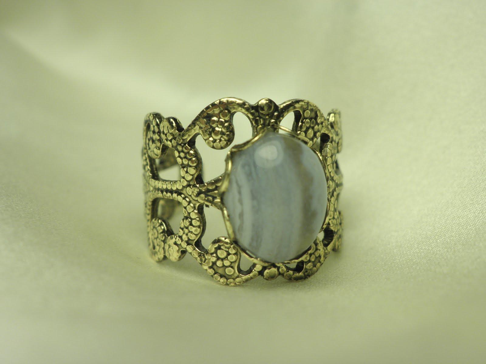 20e750fd6c8 Antiikkuldset tooni sõrmus sinise pits-ahhaadiga