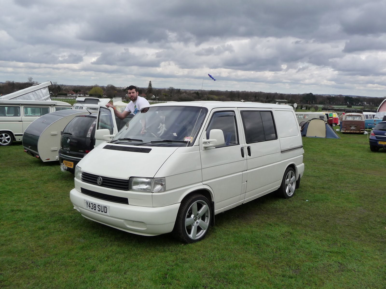 for sale white 2001 volkswagen transporter t4 1 9 td 1000. Black Bedroom Furniture Sets. Home Design Ideas