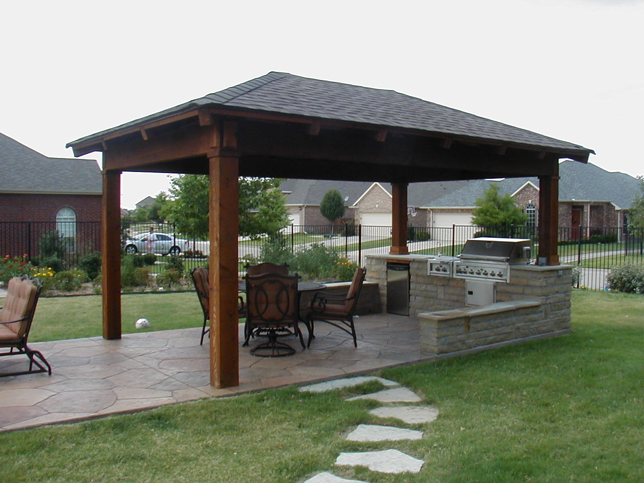 outdoor kitchen photos outdoor kitchen building and design. Black Bedroom Furniture Sets. Home Design Ideas