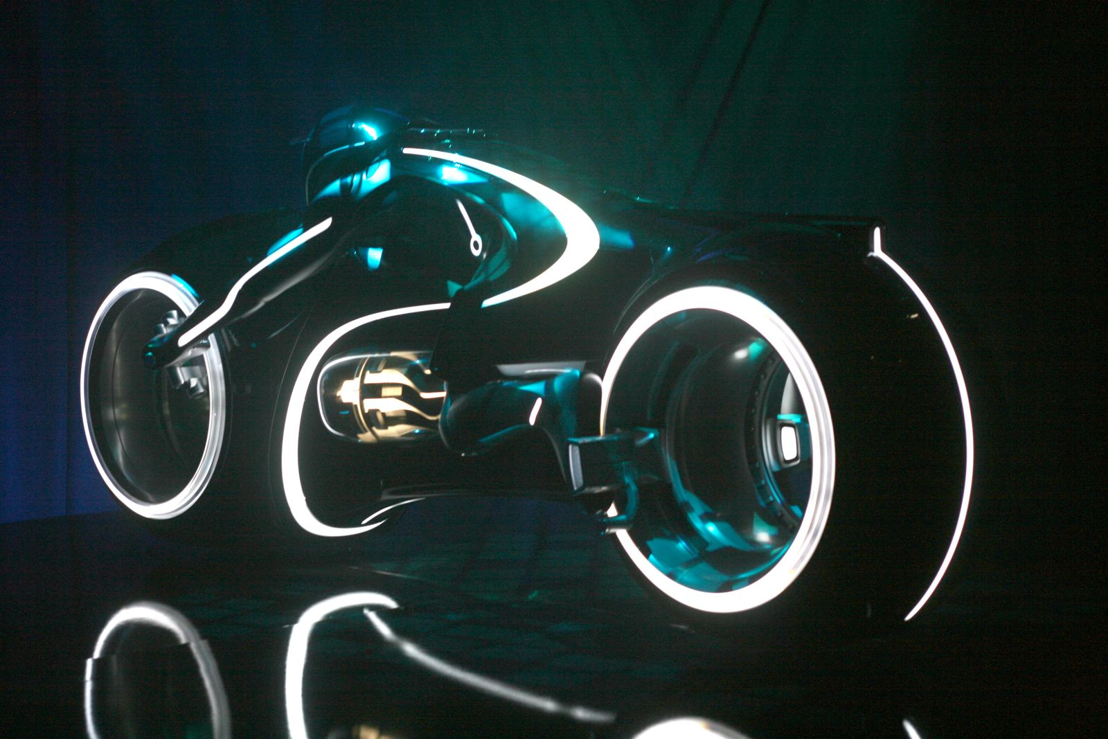 the tron light cycle - photo #7