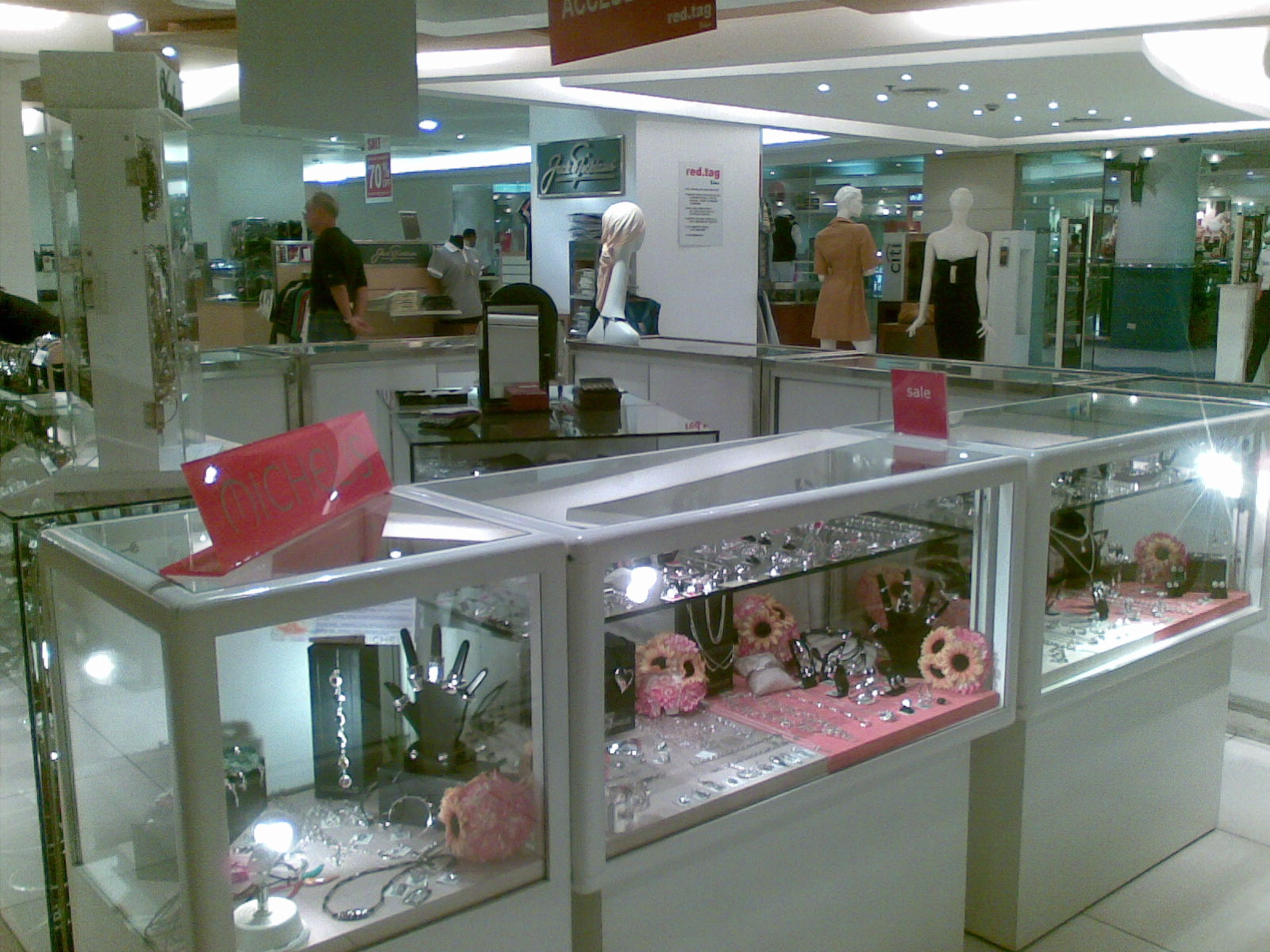 The Average Jane Rustan S Red Tag Store In Robinson S