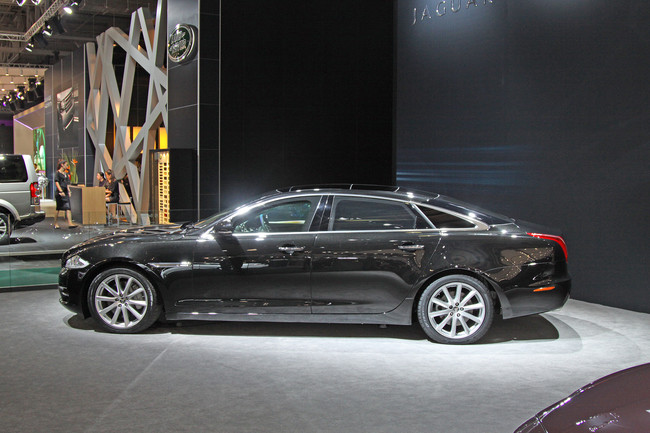 alay's blog: jaguar xj sentinel. special for moscow auto show 2010
