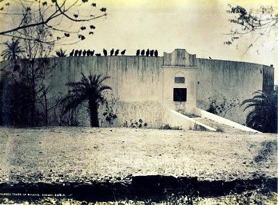 """kamar-asik.blogspot.com - """"The Tower of Silence"""", Inilah Ritual Mengerikan Pemuliaan Jasad Agama Zoroaster"""