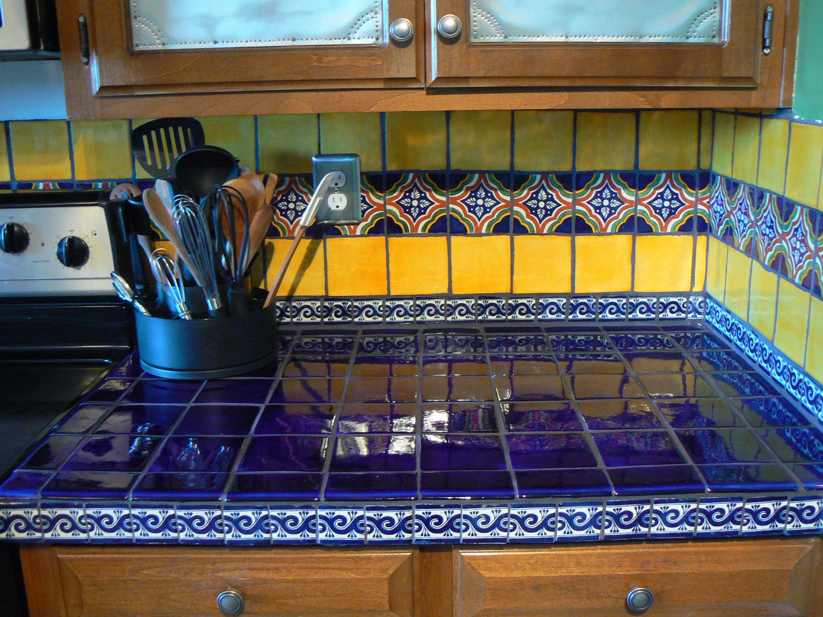 Mexican Backsplash Tiles Kitchen Stone Island Classic Kitchens Simple Home Decoration