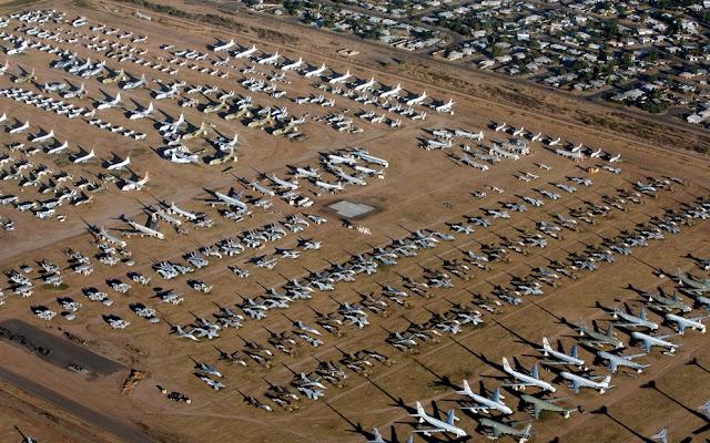 28386479 - O Maior Cemitério de Aviões do Mundo