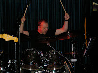 John, de drummer van coverband Docklands Road