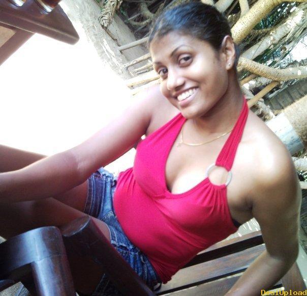 Sri Lankan Beach Girl Exposing Her Sexy Body Plastic Faces Scare Salma Hayek