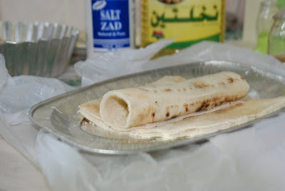 اكلات جديدة لفافات الخبز بالدجاج.... بالصور 3.jpg