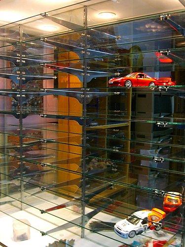 Sasha: 汽車模型領域-展示櫃DIY