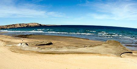 Playa de arena de Península Valdés puerto piramides