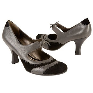 Naturalizer Brando Mary-Jane Pumps in grey @ Chasing Davies
