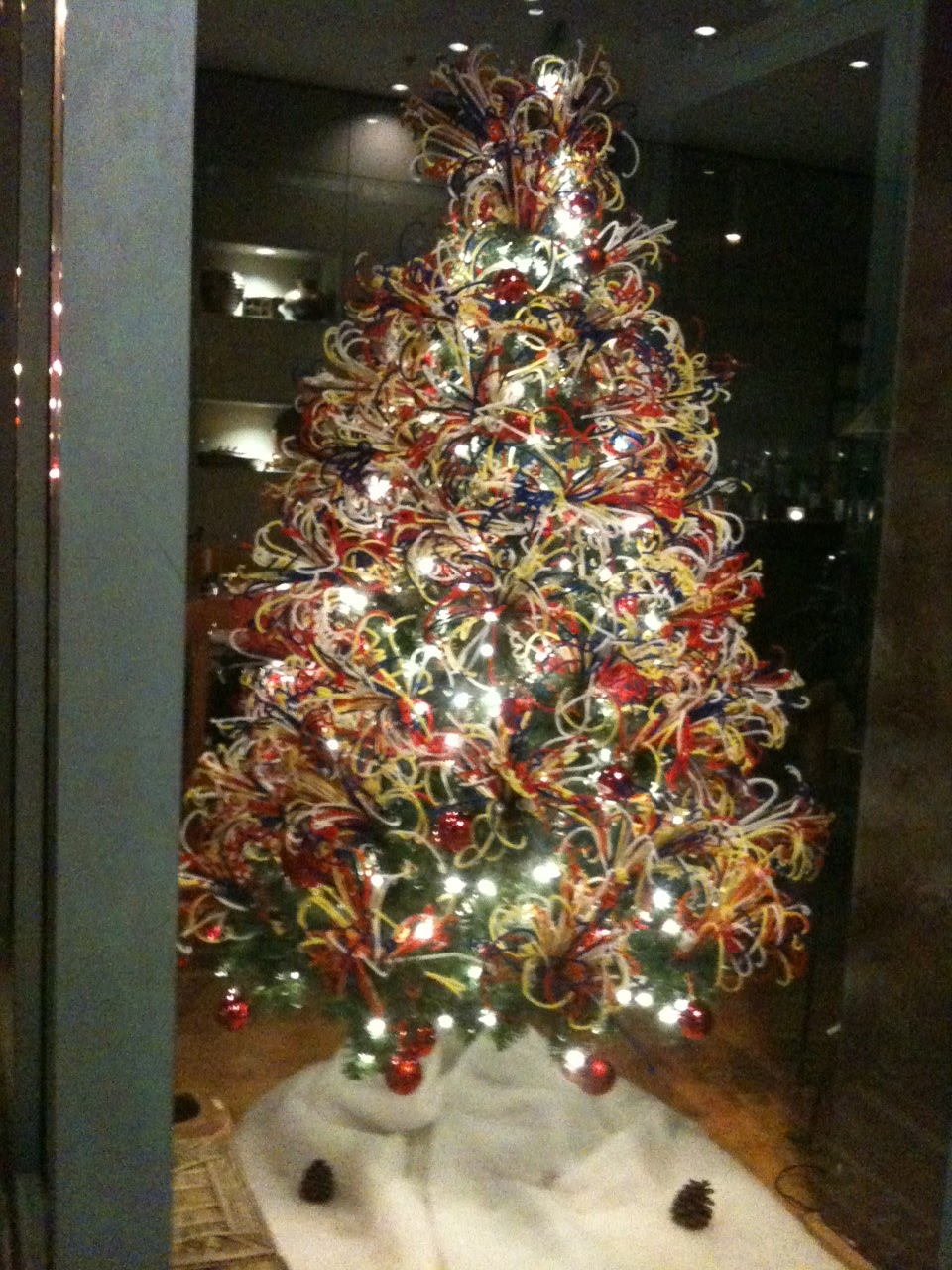 Pipe Cleaner Christmas Trees.A Party Style Pipe Cleaner Christmas Tree